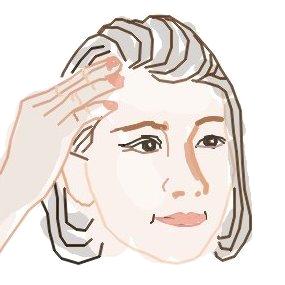 前髪でポンパドールを作る!ピンを活用すると決まりやすい