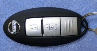 日産キューブのインテリジェント・キーのバッテリー交換方法